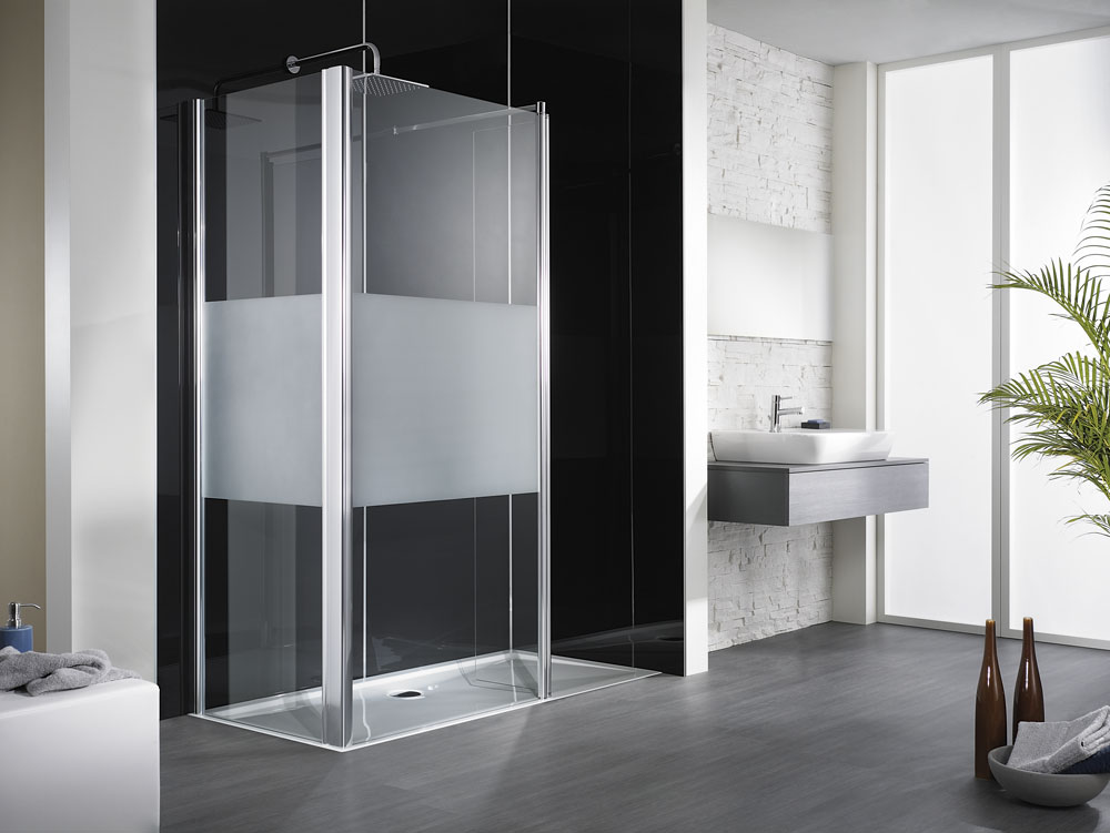 neu in starnberg sitzbadewanne badewanne mit t re begehbare dusche. Black Bedroom Furniture Sets. Home Design Ideas